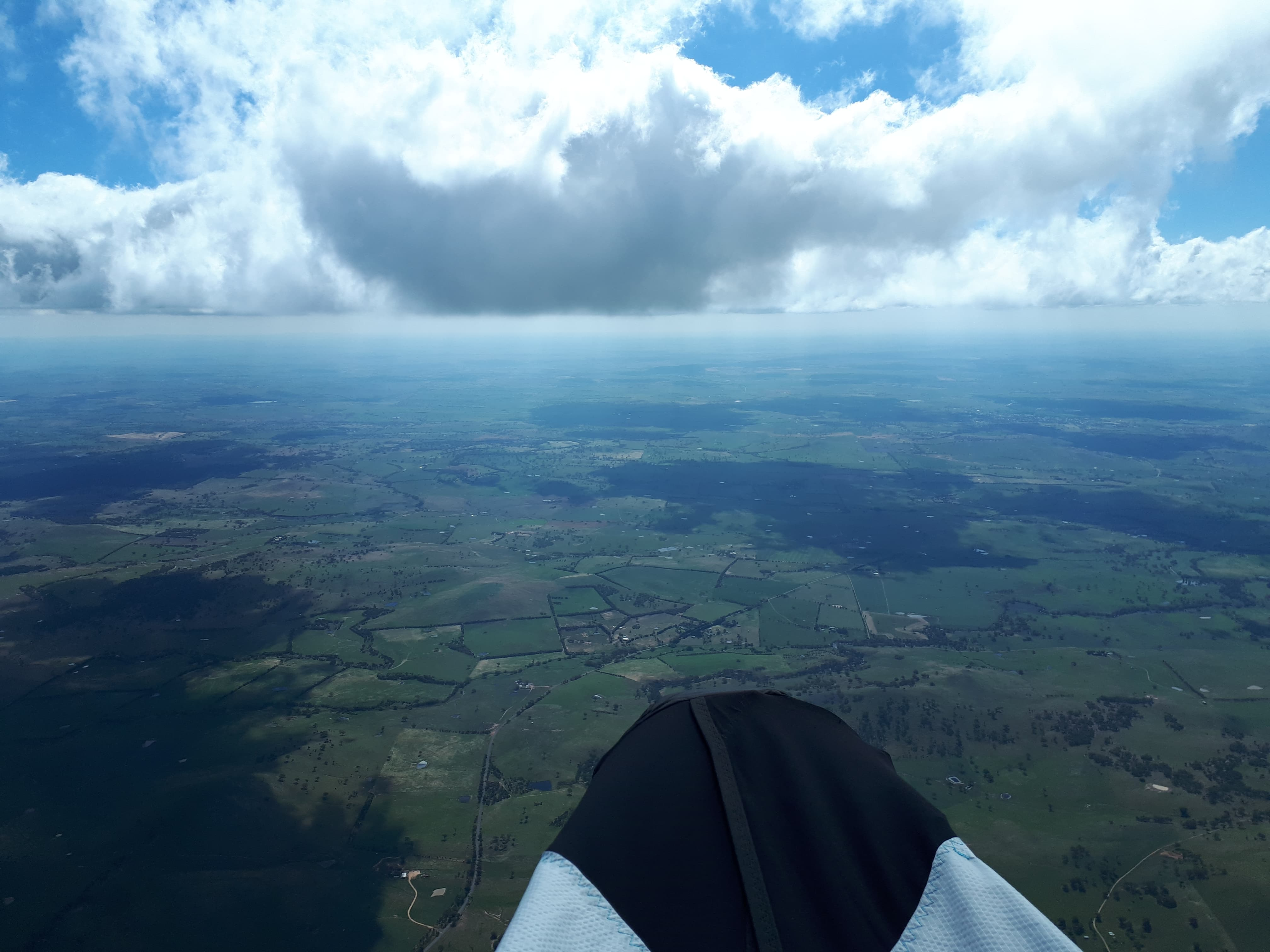 Jonathan Bishop and Sam Rybak fly over 100km from Collector to Murringo
